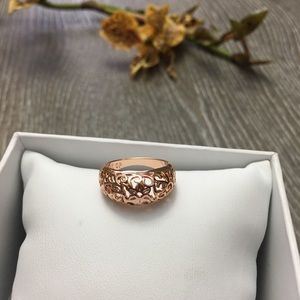 Jewelry - 18K Rose Gold Plated Flower Ring